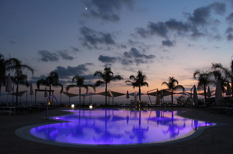 Vonkajšie priestory - bazén